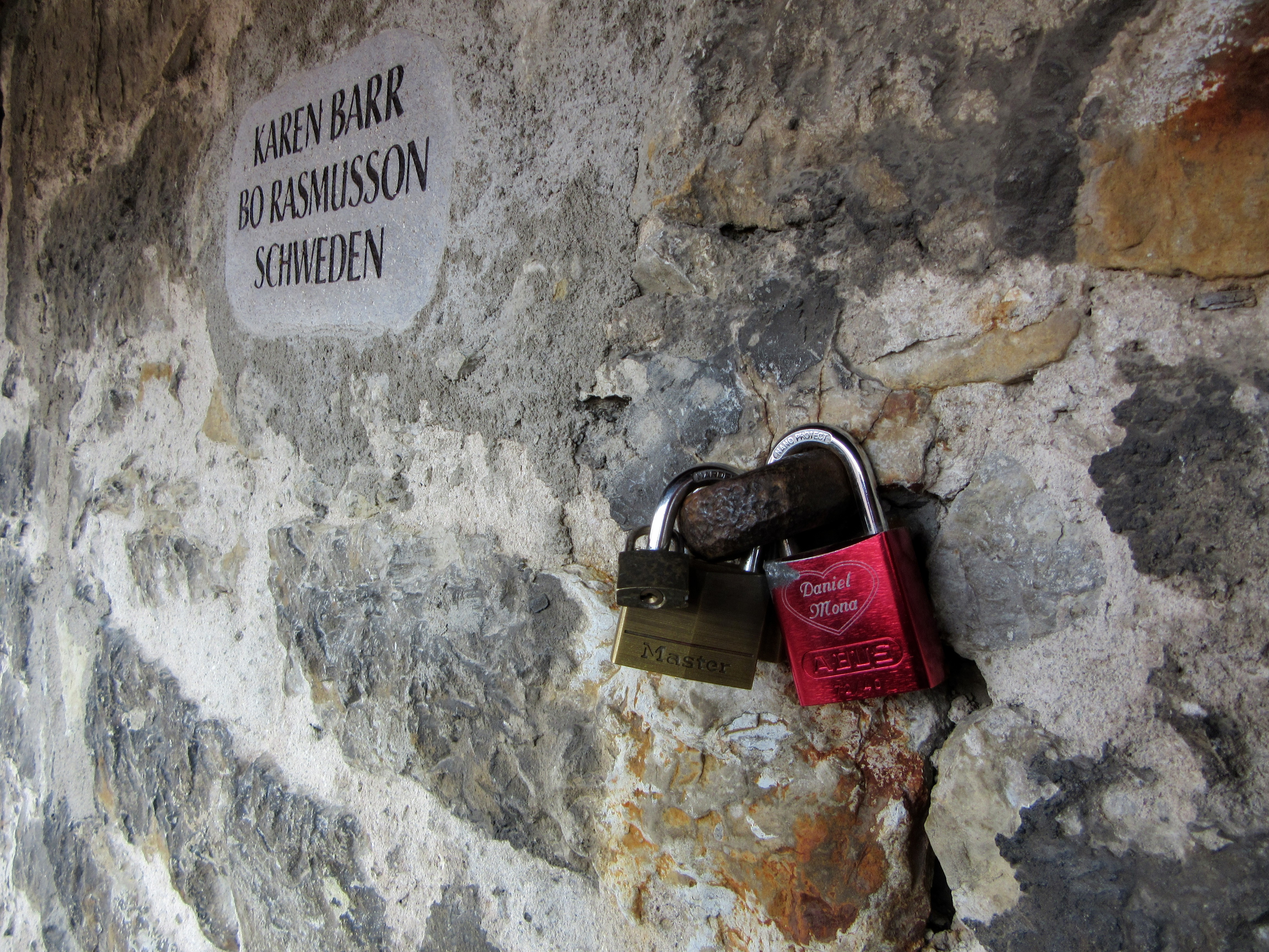 Love locks on the wall. | Walking Along the Wall of Rothenburg ob der Tauber.