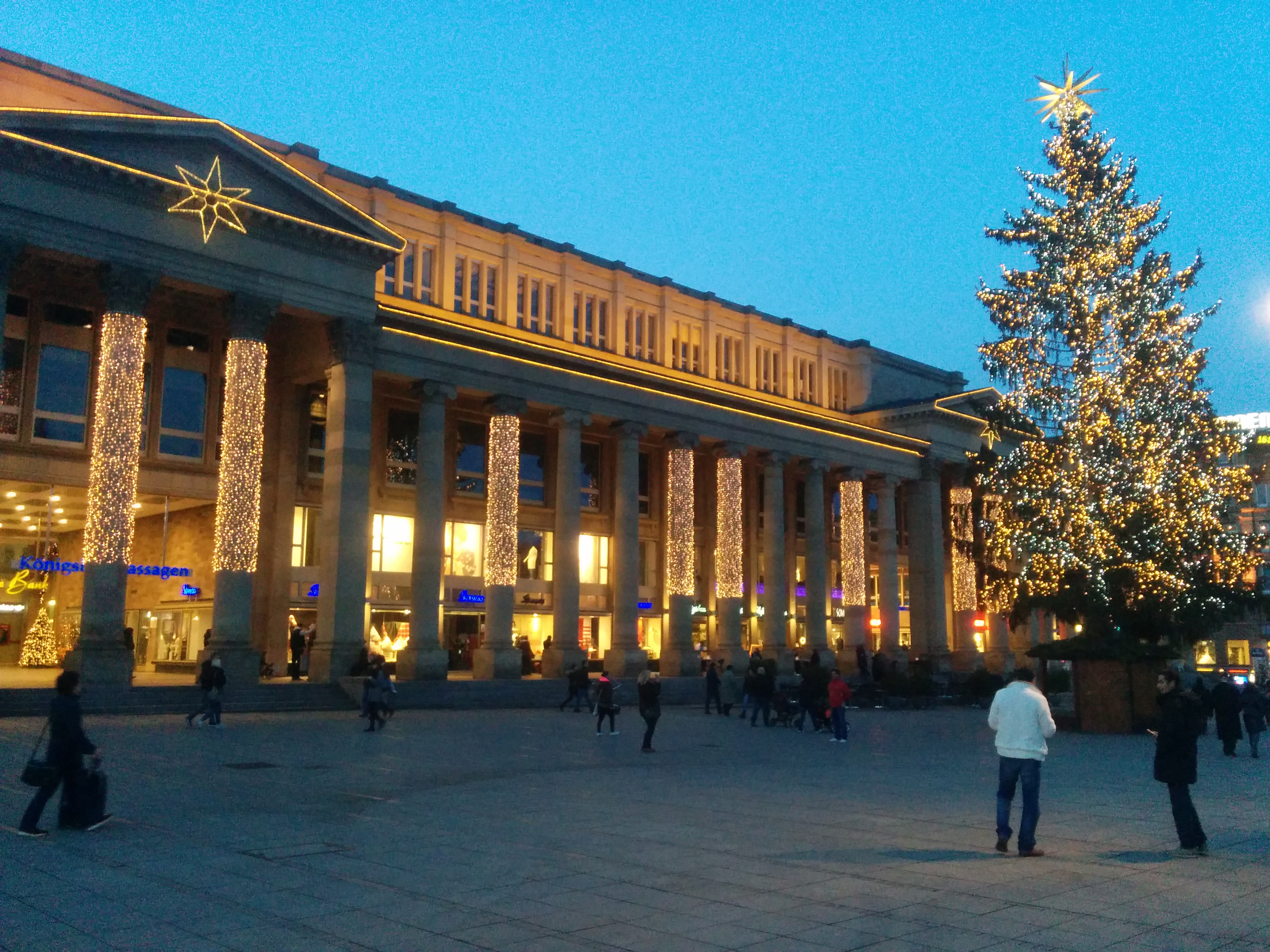Christmas lights at the Schlossplatz.