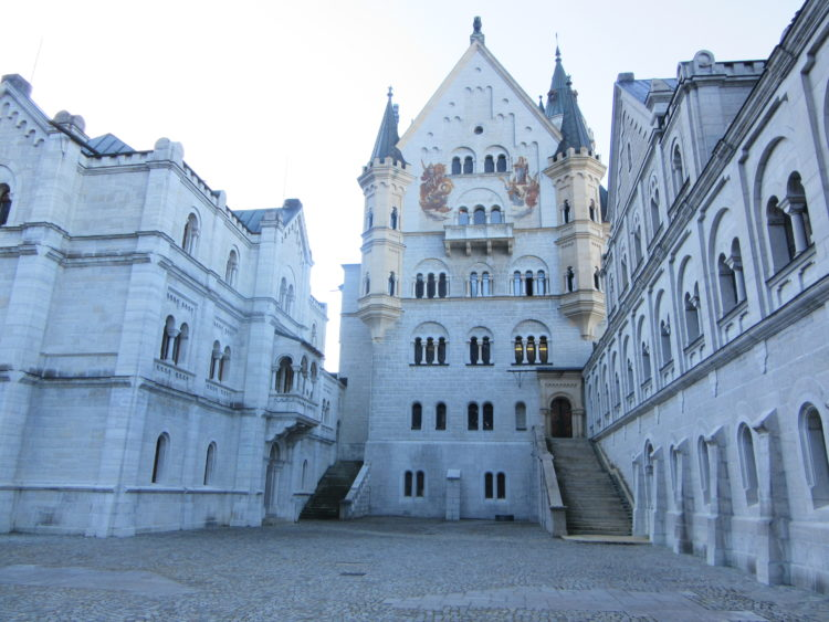 The 9 Worst Things About Neuschwanstein Castle.