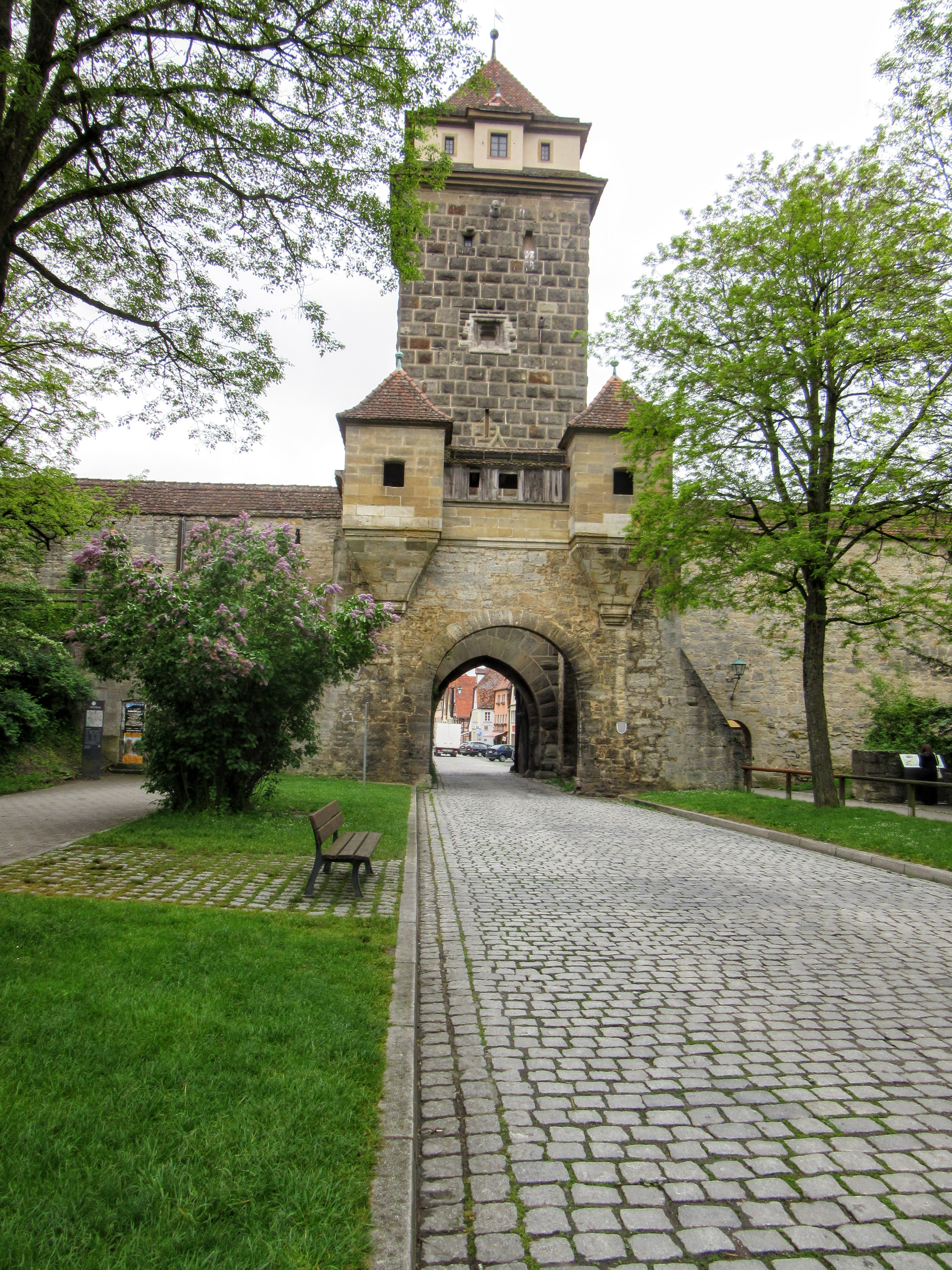The Galgentor (the Gallows Gate). | Walking Along the Wall of Rothenburg ob der Tauber.