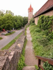 A gravel path. | Walking Along the Wall of Rothenburg ob der Tauber.