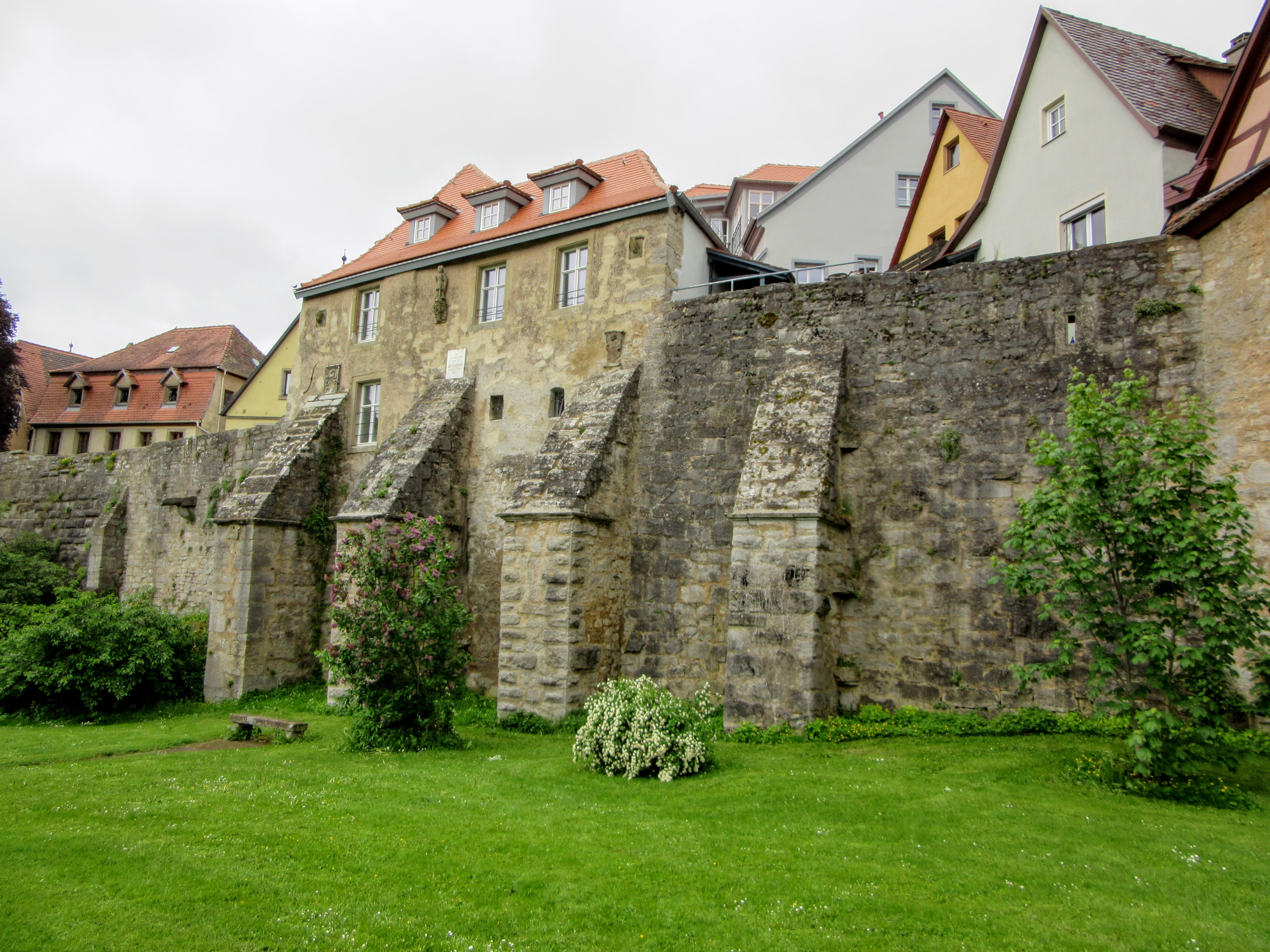 Seeing the outside of the wall. | Walking Along the Wall of Rothenburg ob der Tauber.
