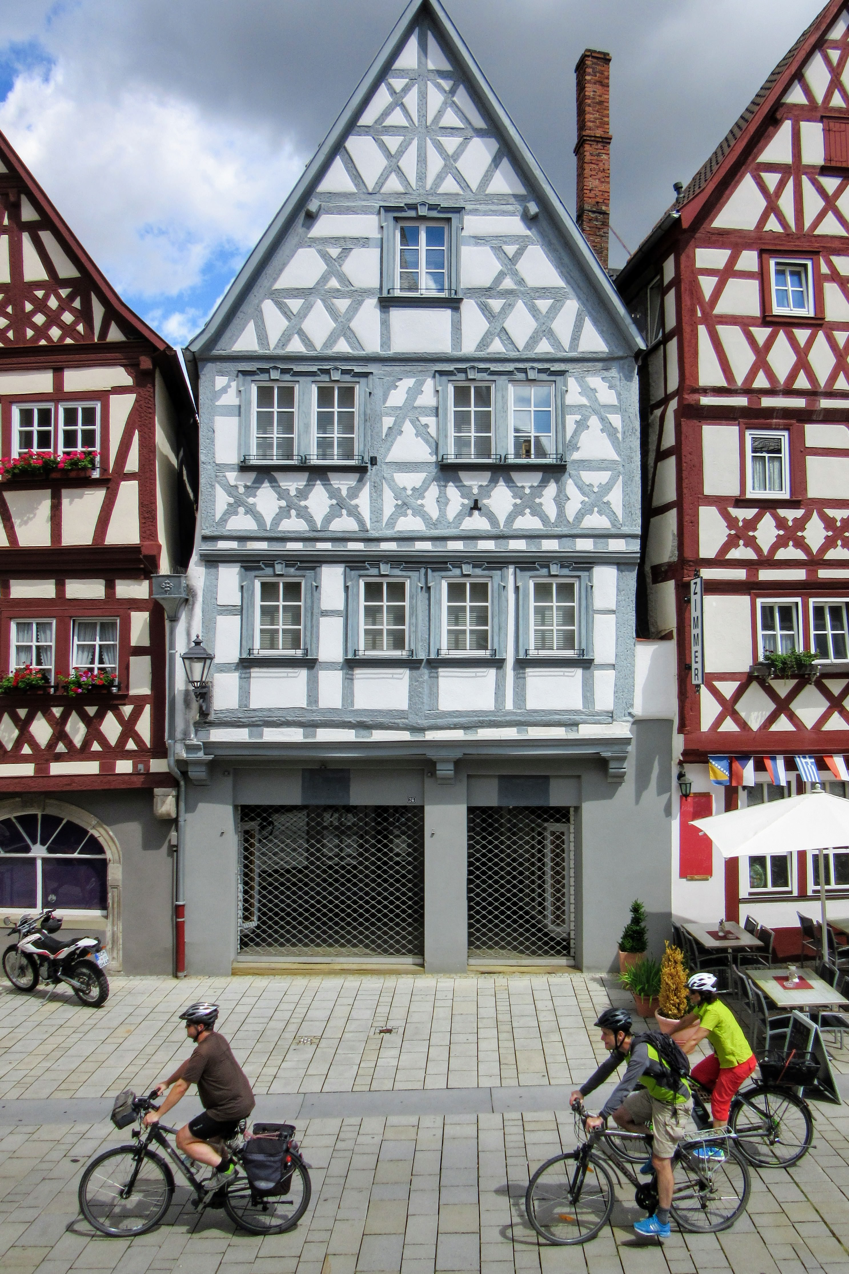Half-timbered houses in Ochsenfurt. | Missing Germany