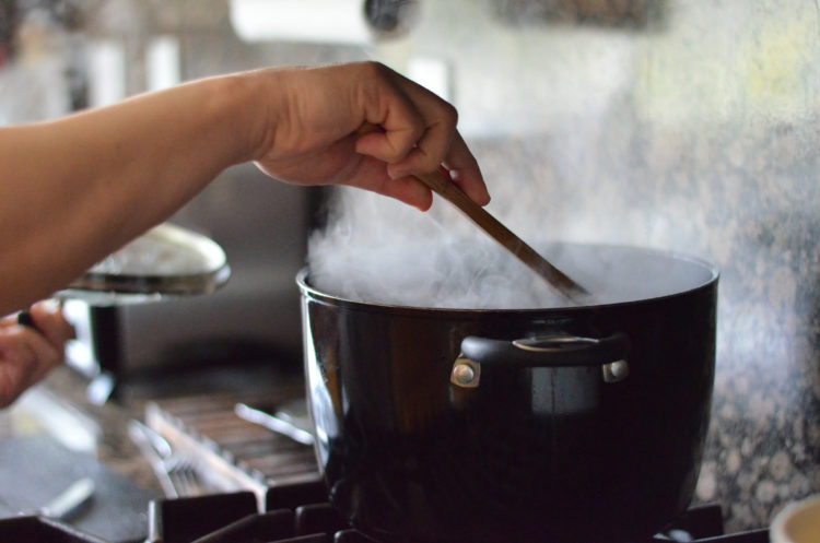 Tips for Cooking with Chronic Pain and Illness. | Photo by Nicole via Flickr.